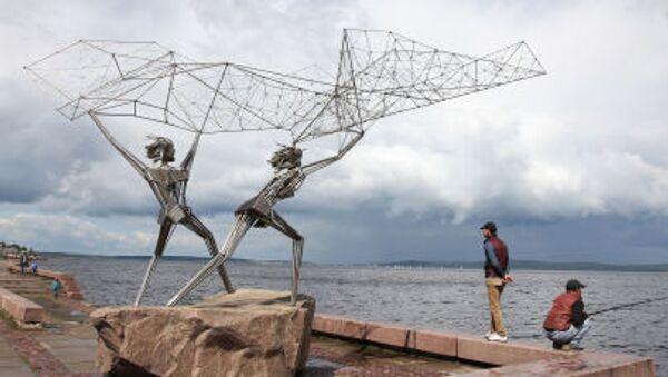 """Rzeźba """"Rybacy"""" na Bulwarze Oneskim w Petrozawodzku - Sputnik Polska"""