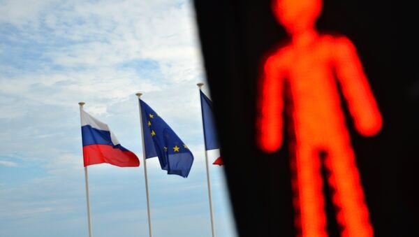 Flagi Rosji i UE - Sputnik Polska