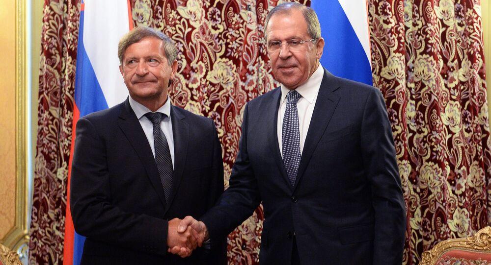 Ministrowie spraw zagranicznych Rosji i Słowenii Siergiej Ławrow i Karl Erjavec na spotkaniu w Moskwie