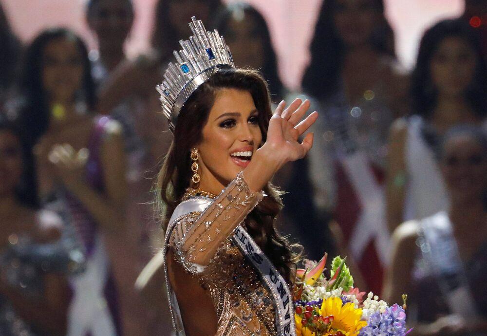 Zwyciężczyni konkursu Miss Universe 2017 Iris Mittenaere z Francji