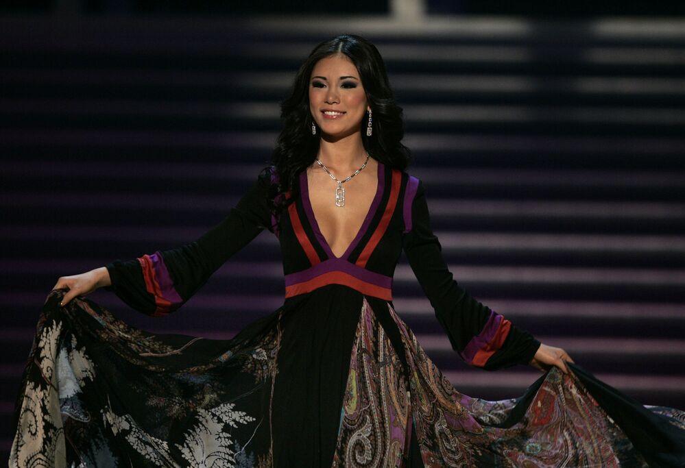Zwyciężczyni konkursu Miss Universe 2007 Riyo Mori z Japonii