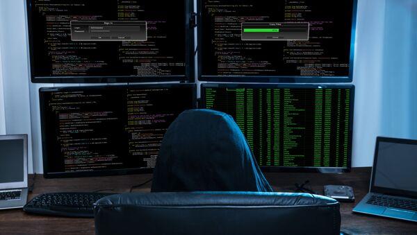 Haker przed komputerem - Sputnik Polska