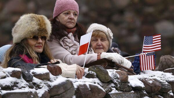 Polacy witają amerykańskie wojska - Sputnik Polska