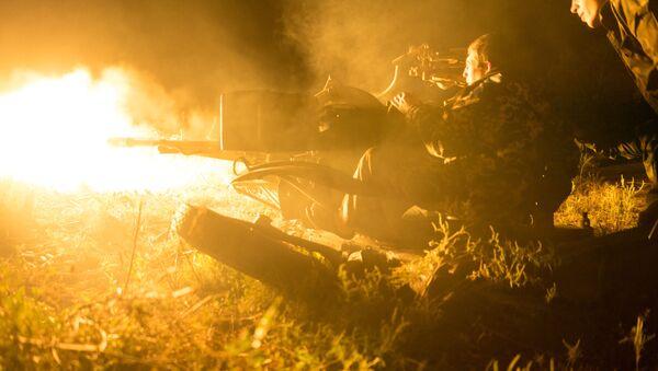 Ukraińskie wojska ostrzeliwują pozycje powstańców w rejonie Awdijiwki - Sputnik Polska