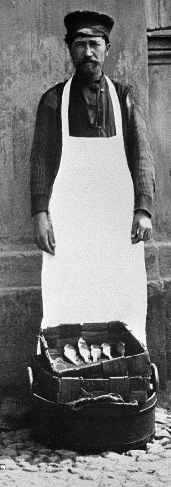 Moskiewski sprzedawca ryb, 1913 rok