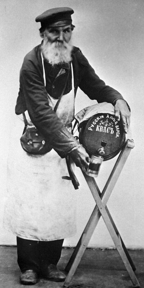 Moskiewski sprzedawca kwasu chlebowego, 1913 rok