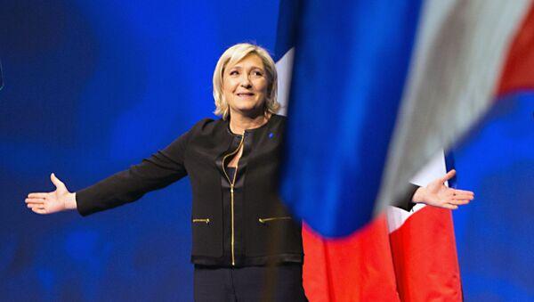 Kandydat na prezydenta Francji Marine Le Pen na spotkaniu ze swoimi zwolennikami podczas kampanii wyborczej w Lyonie - Sputnik Polska