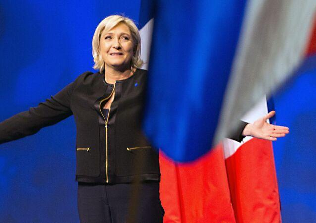 Kandydat na prezydenta Francji Marine Le Pen na spotkaniu ze swoimi zwolennikami podczas kampanii wyborczej w Lyonie
