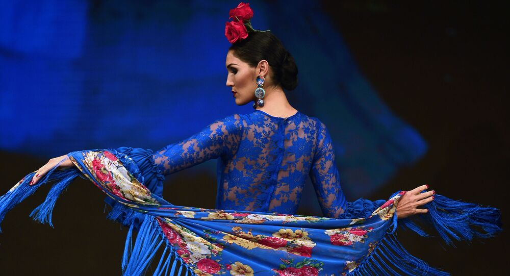 Modelka na pokazie SIMOF 2017 w Sewilli