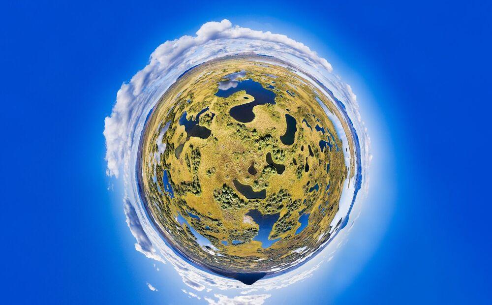 Zdjęcie Ukryte jeziora. Autor: Paul Oostveen. Drugie miejsce wśród profesjonalistów w kategorii 360°.
