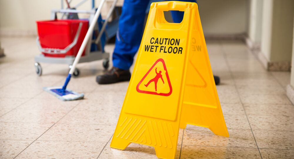 Sprzątacz podczas pracy