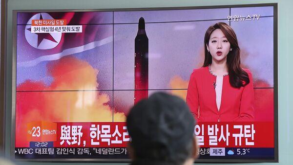 Korea Północna w niedzielę rano czasu lokalnego wystrzeliła pocisk balistyczny w kierunku Morza Japońskiego - Sputnik Polska