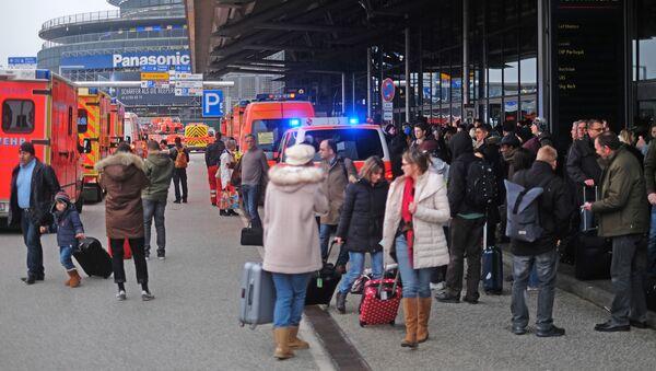 Wyciek nieznanej substancji na lotnisku w Hamburgu - Sputnik Polska