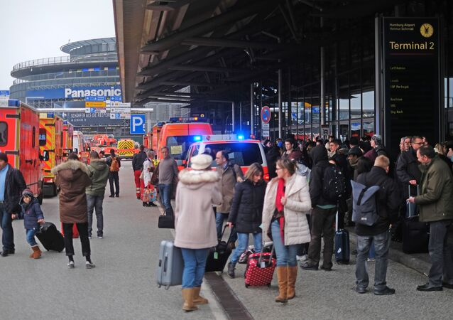 Wyciek nieznanej substancji na lotnisku w Hamburgu