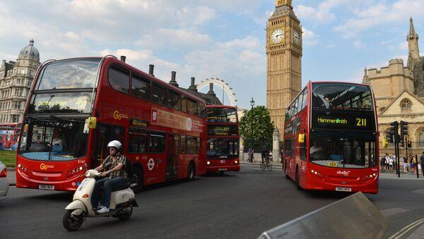 Londyn: Wypadek piętrowego autobusu. 25 rannych - Sputnik Polska