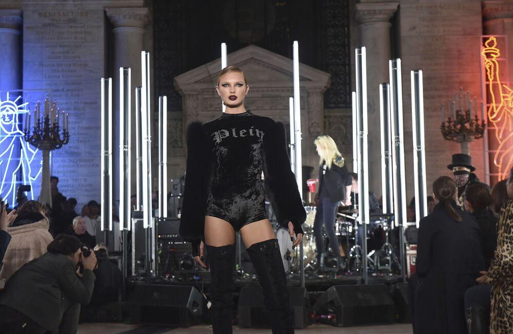 Pokaz Philipp Plein podczas Tygodnia Mody w Nowym Jorku