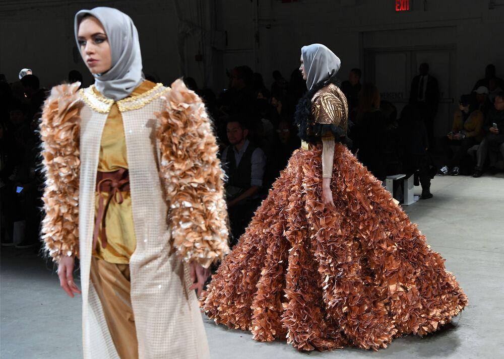 Pokaz Anniesa Hasibuan podczas Tygodnia Mody w Nowym Jorku