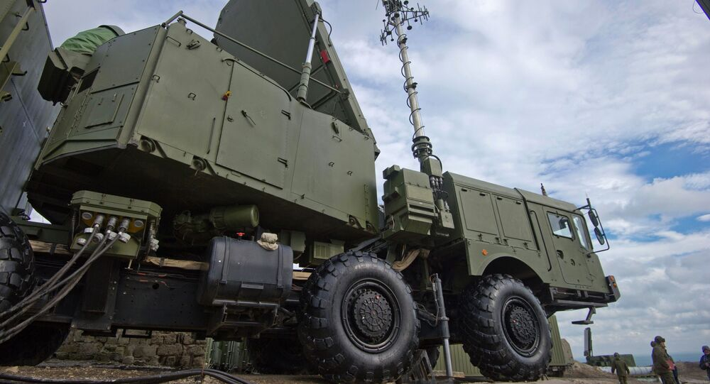 """Stacja radiolokacyjna przeciwlotniczego systemu rakietowego S-400 """"Triumf"""""""