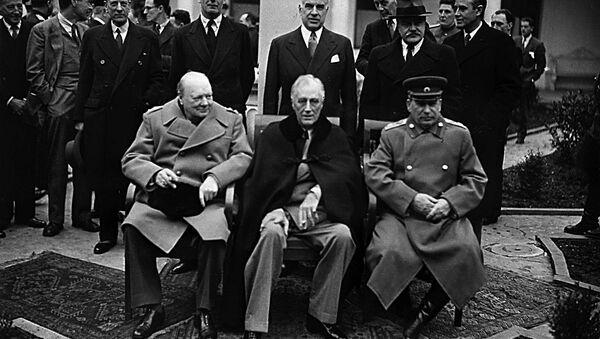 Premier Wielkiej Brytanii Winston Churchill, prezydent USA Franklin Delano Roosevelt oraz przywódca ZSRR Józef Stalin, Konferencja jałtańska 4-11 lutego 1945 - Sputnik Polska