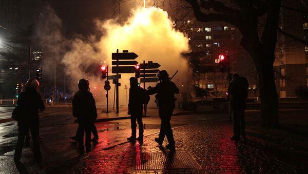 Akcja protestu przeciwko samowoli policji na przedmieściach Paryża, w Bobigny - Sputnik Polska