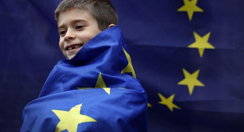 Europa jak dziecko we mgle, prowadzone za rękę przez USA