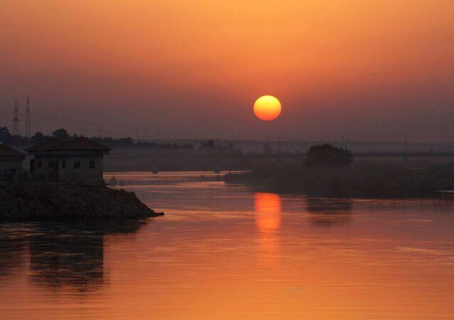 Siły powietrzne koalicji międzynarodowej pod wodzą USA zniszczyły ostatni most nad Eufratem na wschodzie prowincji Rakka