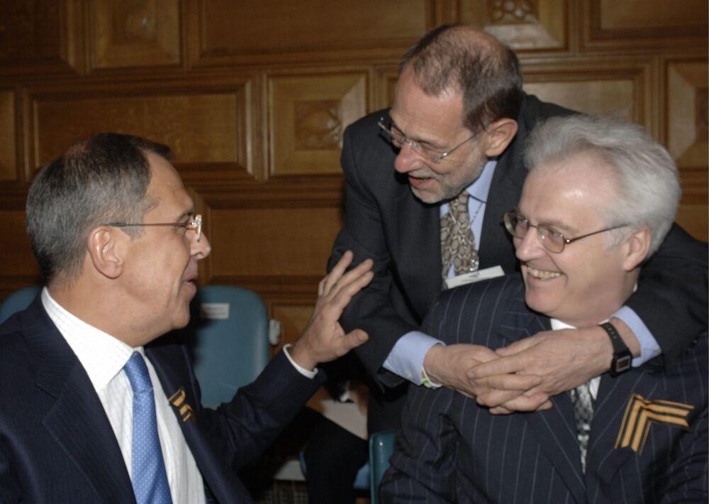 """""""The New York Times"""" pisze, że Czurkin pełnił funkcję ambasadora przy Radzie Bezpieczeństwa ONZ najdłużej spośród swoich kolegów. – Czasami żartobliwie nazywał sam siebie """"stałym przedstawicielem"""" – podaje amerykański dziennik. – Pan Czurkin był przygotowywany do pracy tłumacza oraz ambasadora. Czasami wyraźnie denerwowali go tłumacze ONZ, którzy nie radzili sobie z jego stylem wypowiedzi w rytmie """"tra-ta-ta"""" – dodaje."""