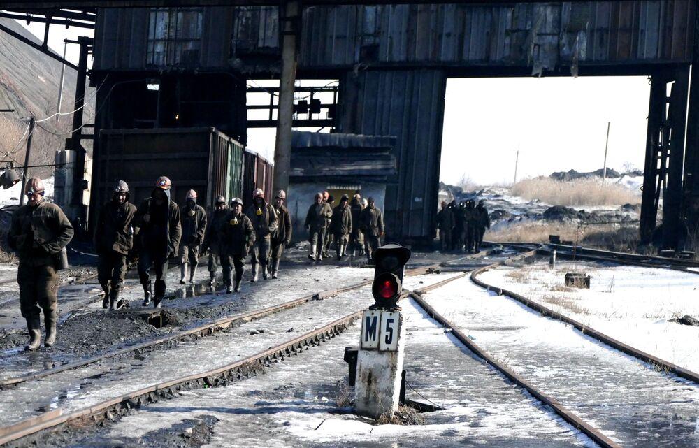 Pracownicy kopalni imienia S.M. Kirowa państwowego zakładu Makiejewugol w obwodzie donieckim.
