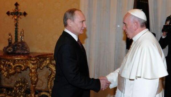 Prezydent Rosji Władimir Putin i papież Franciszek - Sputnik Polska