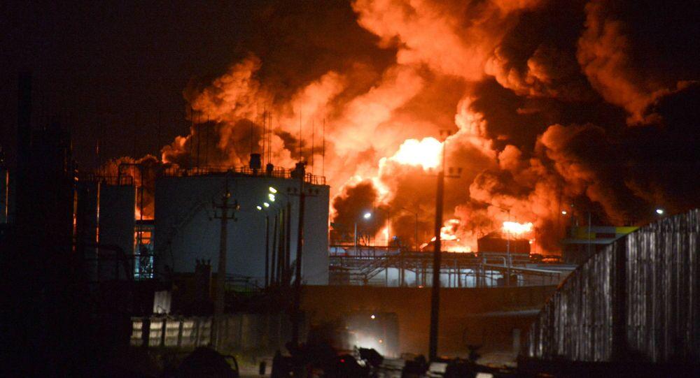 Pożar w magazynie ropy naftowej pod Kijowem