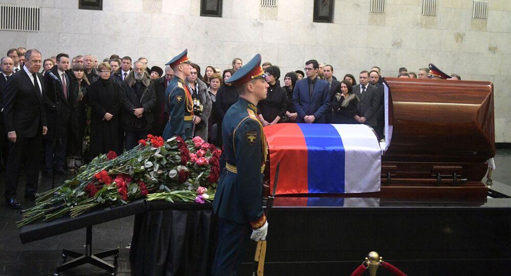 Ceremonia pożegnania z ambasadorem Rosji przy ONZ Witalijem Czurkinem rozpoczęła się w Dużej Sali Żałobnej Centralnego Szpitala Klinicznego w Moskwie