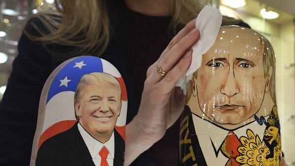 Prezydentowi USA Donaldowi Trumpowi przeszkadza się w realizacji jego obietnicy wyborczej dotyczącej normalizacji stosunków z Rosji - Sputnik Polska