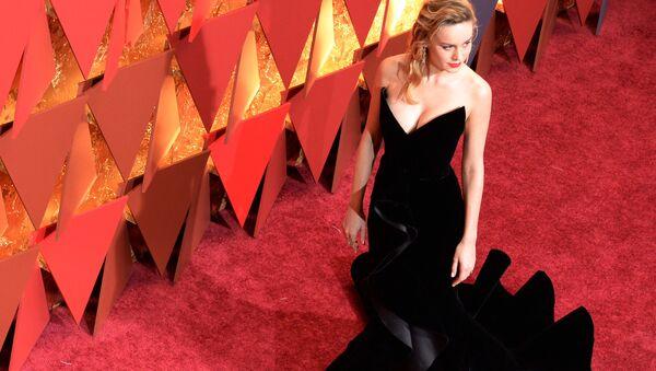 Aktorka Brie Larson na czerwonym dywanie podczas ceremonii wręczenia Oscarów 2017 - Sputnik Polska