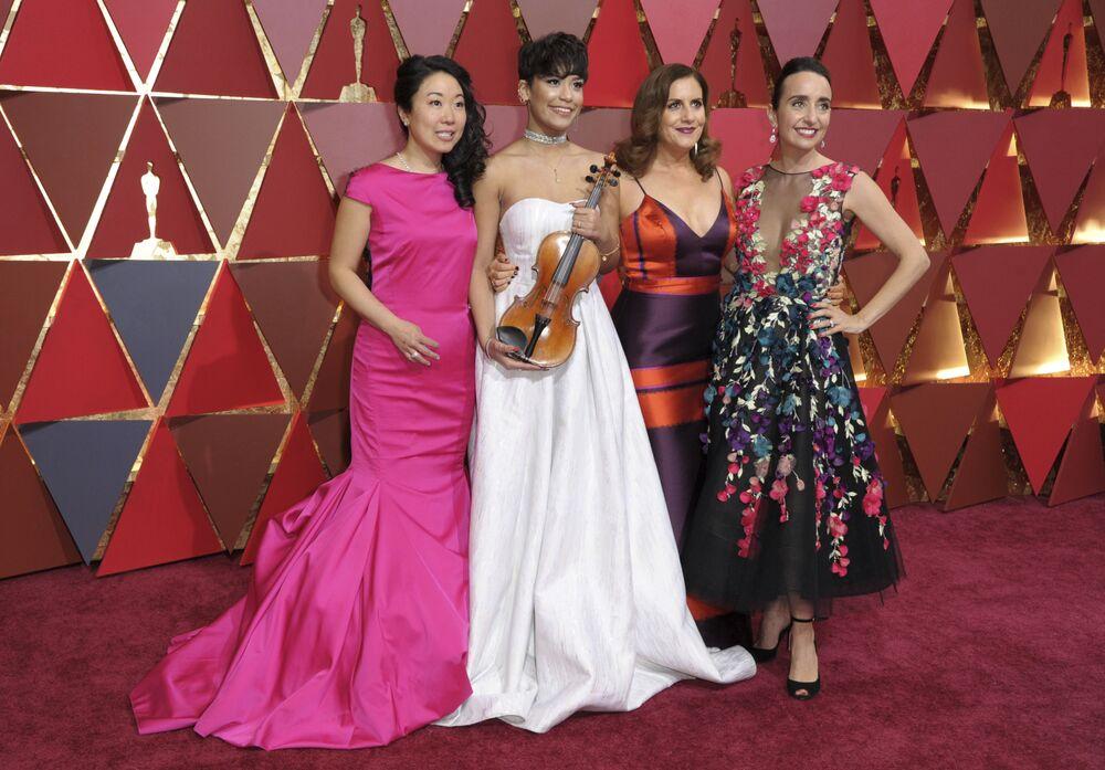 Kandydatki do Oscara 2017 na czerwonym dywanie podczas ceremonii wręczenia Oscarów 2017