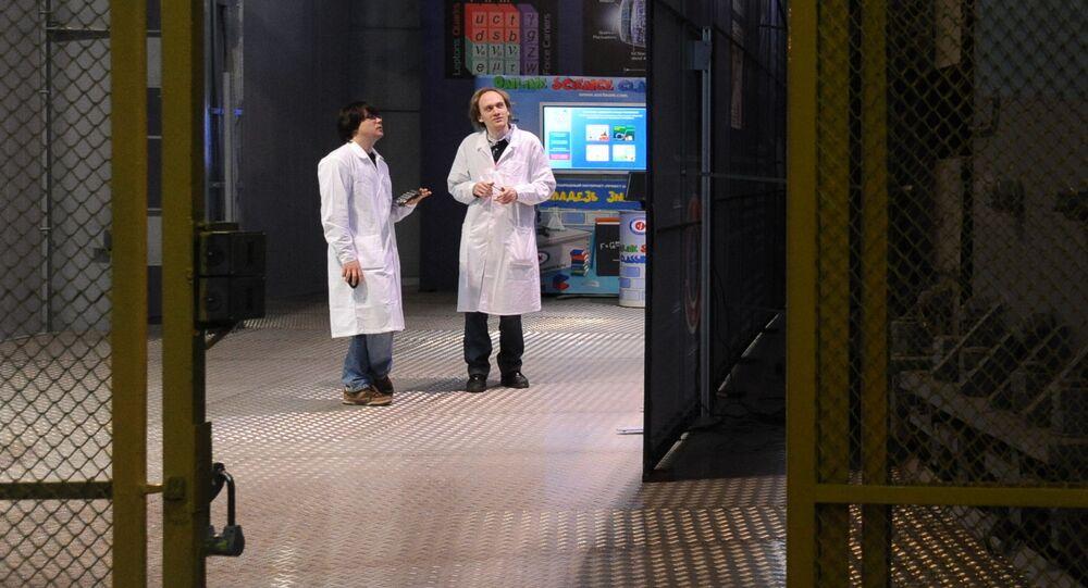 Sala akceleratora Laboratorium Fizyki Wysokich Energii w Zjednoczonym Instytucie Badań Jądrowych w Dubnej