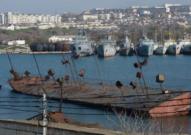 Okręty w zatoce Sewastopola