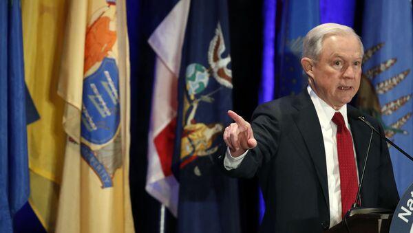 Minister sprawiedliwości USA i prokurator generalny Jeff Sessions - Sputnik Polska