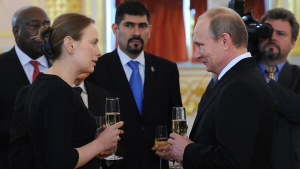 Ambasador RP Katarzyna Pełczyńska-Nałęcz i prezydent Rosji Władimir Putin na Kremlu - Sputnik Polska