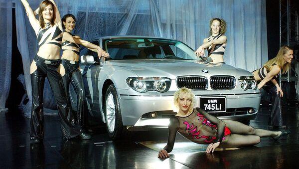 Modelki prezentują BMW w Korei Południowej - Sputnik Polska
