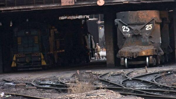Huta wstrzymała swoją pracę z powodu blokady kolejowej Donbasu - Sputnik Polska
