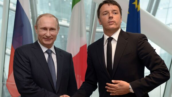 Prezydent Rosji Władimir Putin i premier Włoch Matteo Renzi w Mediolanie - Sputnik Polska
