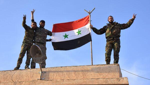Żołnierze syryjskich wojsk rządowych - Sputnik Polska