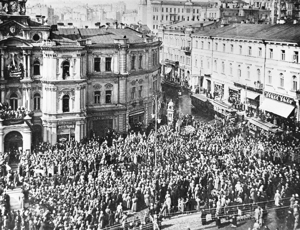 Manifestacja na ulicach Kijowa.