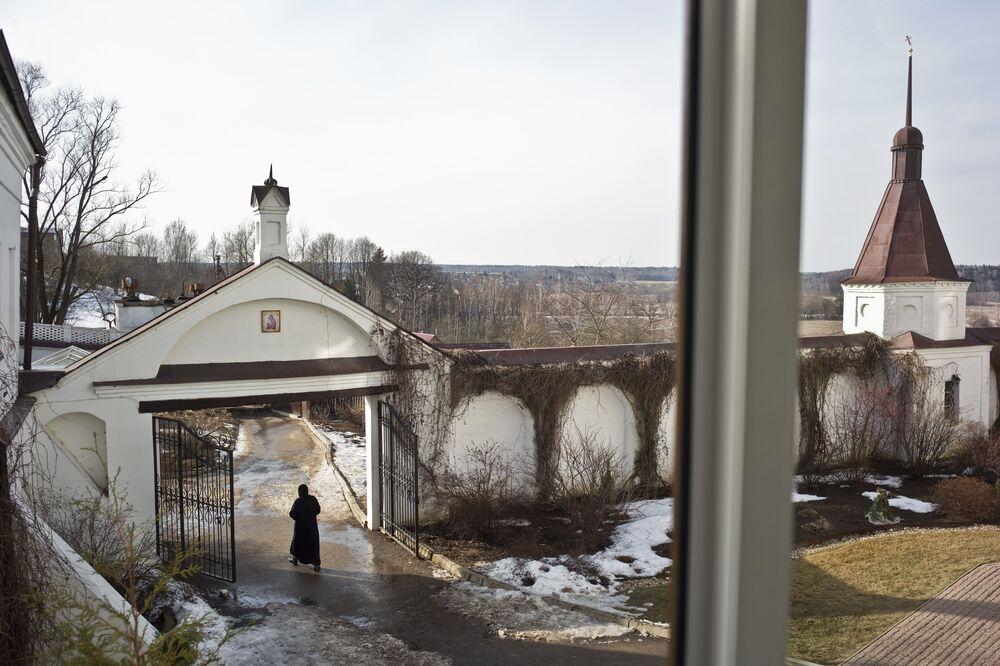 Klasztor znajdujący się na obrzeżach miasta Małojarosławiec obwodu kałuskiego (130 km na południowy zachód od Moskwy) powstał na początku XVI wieku.