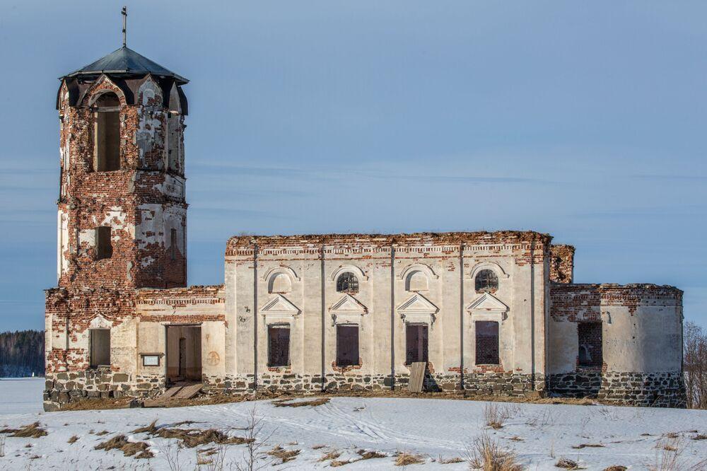 Cerkiew św. Mikołaja we wsi Siennaja Guba na wyspie Bojszoj Kliminieckij.