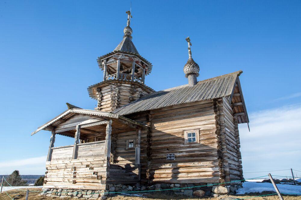 Kaplica Najświętszego Oblicza Jezusa ze wsi Wigowo na terenie muzeum-rezerwatu Kiży.