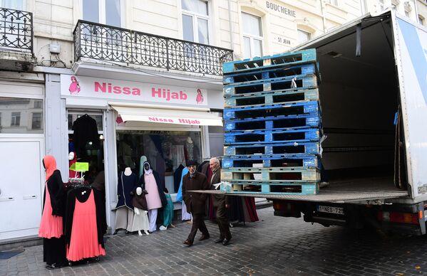 Sklep hidżabów w Brukseli. - Sputnik Polska