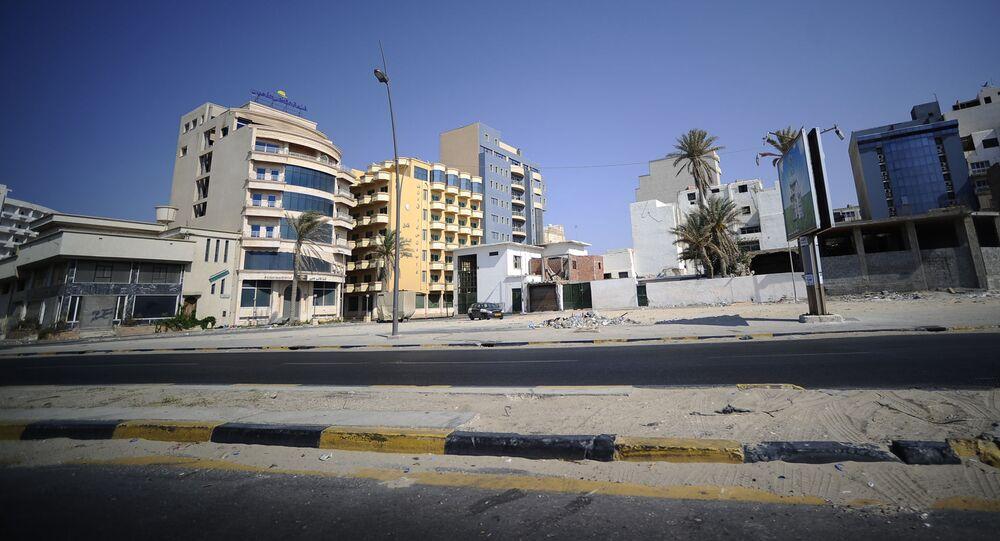 Widok na jedną z ulic w mieście Trypolis, Libia