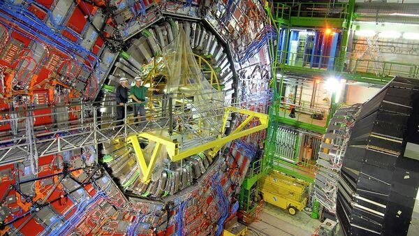 Fizycy w CERN przy pracy - Sputnik Polska