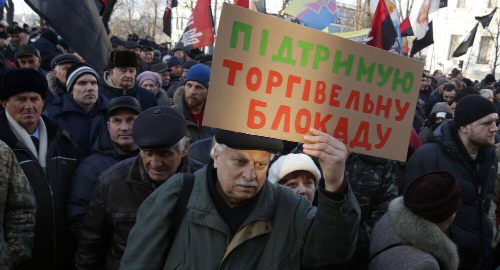 Zwolennicy blokady handlowej Donbasu na wiecu w Kijowie